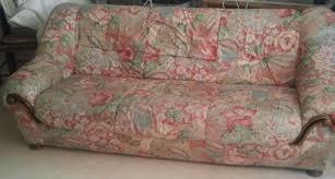 vieux canapé articles de evelyne couture taggés relooker un fauteuil evelyne