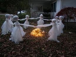 Home Outdoor Decorating Ideas 20 Easy And Cheap Diy Outdoor Halloween Decoration Ideas