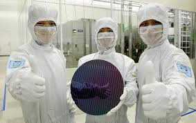 A Construction China And Semiconductors Samsung S Growing Dependence On China For Semiconductor And Display