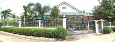 3214 6 bedroom house with 2 bedroom bungalow on 1 rai land