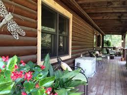 need help with window trim colors on log home