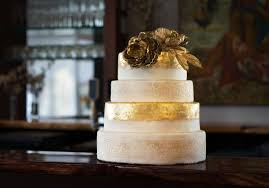 8 cake trends to steal for your wedding