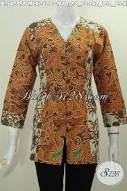 desain baju batik halus batik blus 2 warna kombinasi dengan desain modern yang bikin wanita