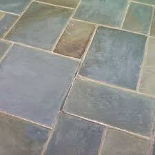 Building Stone Patio by How To Build A Flagstone Patio Lang Stone Building And
