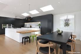 cuisine en bois design cuisine blanc et bois excellente cuisine design bois indogate