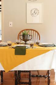 simple thanksgiving table setting with family photos craftivity