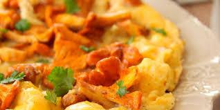 comment cuisiner des girolles omelette aux girolles ail et persil facile recette sur cuisine