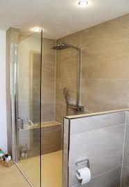 badezimmer mit dusche die besten 25 badezimmer duschen ideen auf badezimmer