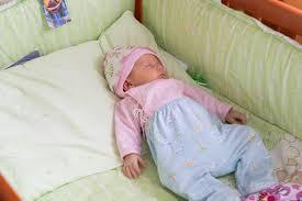 5 ways to get a newborn to sleep in a bassinet thebabyspot ca