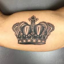 32 beautiful crown tattoos fit for royalty tattoos hub