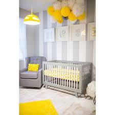 chambre b b jaune la chambre de bébé jaune les plus belles chambres de bébé repérées