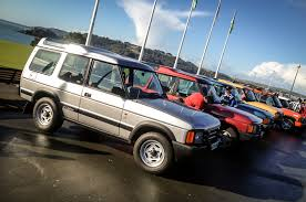 land rover explorer old in praise of the 25 year old land rover discovery autocar