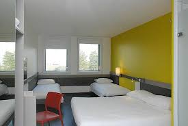 chambre familiale ibis budget chambre famille picture of ibis budget aeroport lyon exupery