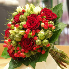 Roses Bouquet Red Roses With Berries Bouquet Wedding Flower