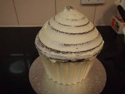 Easy Giant Cupcake Decorating Ideas Sweet Inspirations By Sarah How To Make A Chocolate Shell For