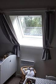rideau pour fenetre chambre rideaux pour fenêtre de toit pinteres