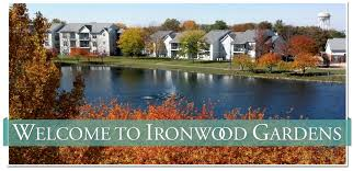 2 Bedroom Apartments In Bloomington Il by Ironwood Gardens Apartments Apartments In Normal Il