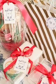 sarah tucker hostess gift giving guide sarah tucker