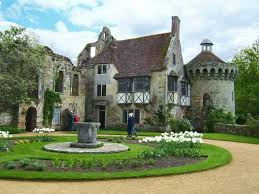 Home Courtyards Castle Courtyard The Centrepiece Of The Courtyard Herb Garden Is