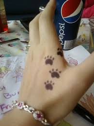 wolf paw prints by lilly on deviantart