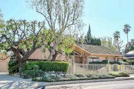 the real brady bunch house los angeles california where to find famous tv and movie houses in los angeles