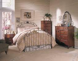Chambre A Coucher Ado by Decoration De Chambre A Coucher Pour Adulte Broyhill Chambre