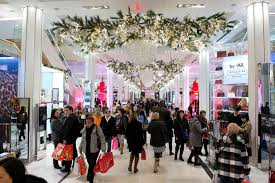 stores are extending hours for last minute shoppers
