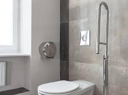 siege toilette pour handicapé les transferts fauteuil roulant wc et les différents handicaps