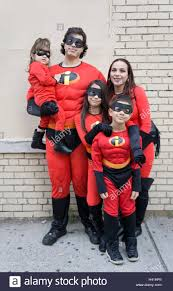 incredibles halloween costumes family incredibles stock photos u0026 incredibles stock images alamy