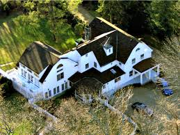 chappaqua ny fire reported at bill and hillary clinton s house in chappaqua ny