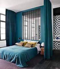 peinture chambre parents rideau chambre parents une peinture et des rideaux couleur bleu