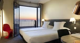 hotel restaurant avec dans la chambre hôtel restaurant clarion collection les flots châtelaillon plage