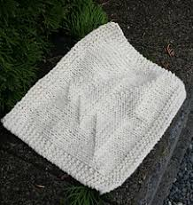 free knitting pattern christmas tree dishcloth ravelry christmas tree dish cloth pattern by a little knitty designs
