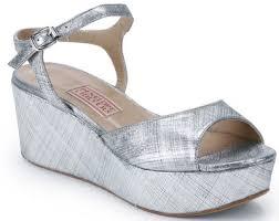 Comfortable Sandal Brands Comfortable Shoe Help Weddingbee