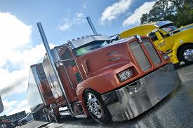 the u201cproject toc u201d a 2000 kenworth w900 with an awesome chrome and