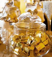 Chocolate Candy Buffet Ideas by Best 25 Gold Candy Ideas On Pinterest Gold Candy Bar Gold