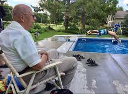 Best Backyard Pools For Kids by Lonely Widower Installs Pool For Neighbor Kids Mnn Mother