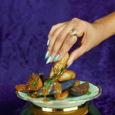 singer cuisine a look at kelis s cooking career lenny letter
