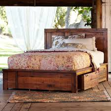 Making A Platform Bed From Pallets by Best 25 Wooden Pallet Beds Ideas On Pinterest Pallet Platform