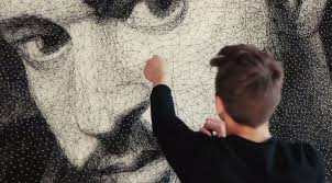 this artist wrapped 24 km of thread around 13 000 nails to create