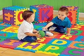 tappeti puzzle per bambini atossici tappetini per bambini modello puzzle pericolo per la salute e
