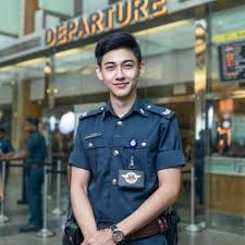 journalists jobs in pakistan airport security this airport security guard in singapore is driving the girls wild