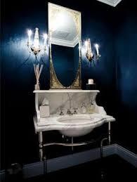 badezimmer dunkelblau badezimmer deko bader ideen spiegel mit goldenem rahmen goldenes
