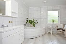 badezimmer weiss fliesen ideen badezimmer mit keramikfliesen weiß vpbridal