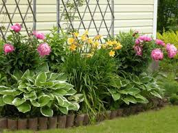 Backyard Flower Bed Ideas 33 Beautiful Flower Beds Adding Bright Centerpieces To Yard
