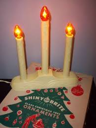 light up christmas candles cool retro christmas decor 1950 s red plastic wreath with candle
