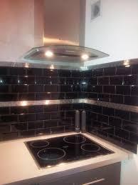 carrelage cuisine noir brillant carrelage cuisine noir mural et on brillant newsindo co