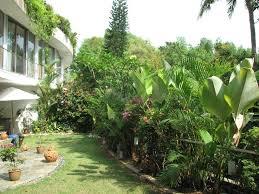 small tropical theme home garden design 4 home ideas