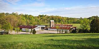 Red Barn Clarksville Tn Compare Prices For Top 229 Barn Farm Ranch Wedding Venues In Tennessee