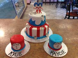 dr suess thing 1 u00262 birthday cake with smash cakes for the twins